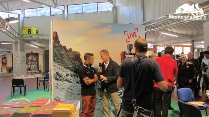 Daniele Molmenti intervistato nello stand del Friuli
