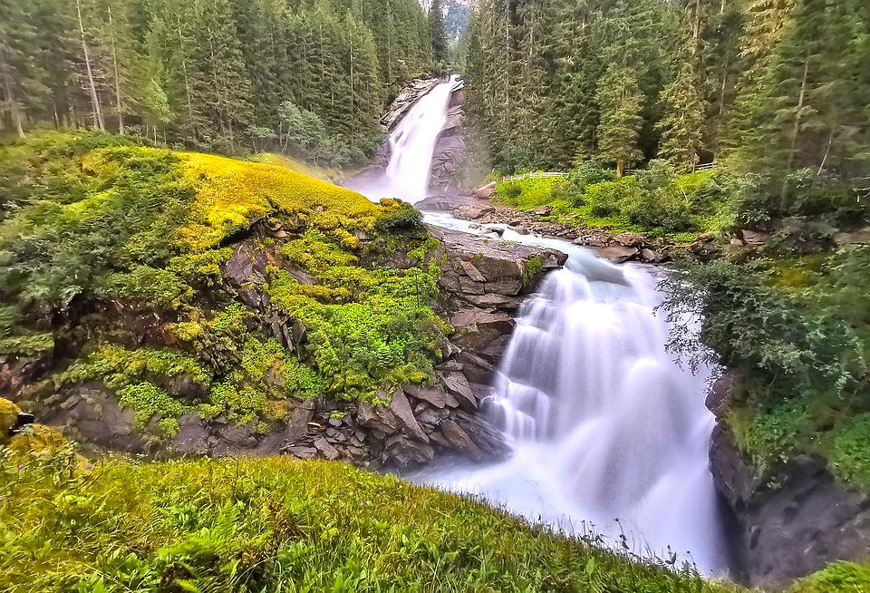 Le 5 più Belle Cascate delle Alpi Austriache da visitare in Estate