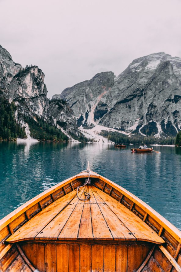 lago di braies barca punto di vista