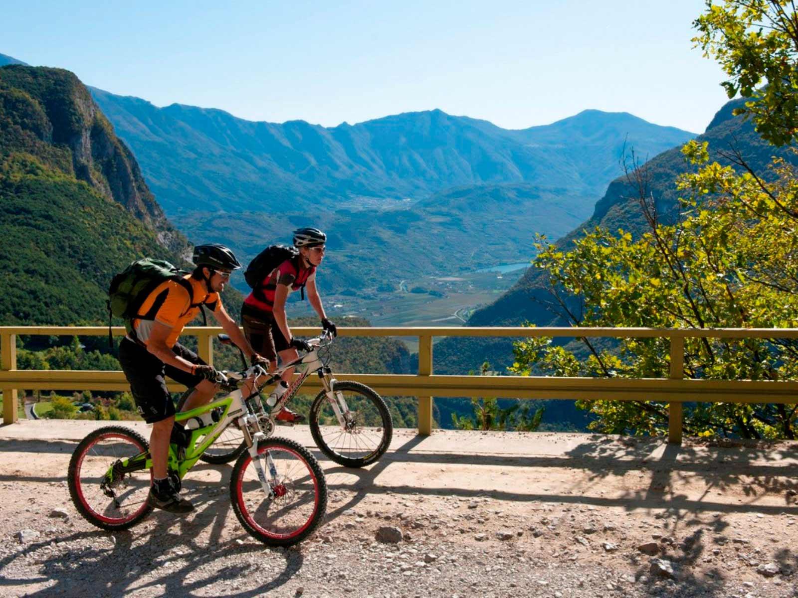 Offerta: Vacanze in Mountain Bike, dalle Alpi al Lago di Garda