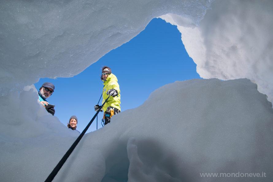 crepaccio ghiacciaio del monte bianco