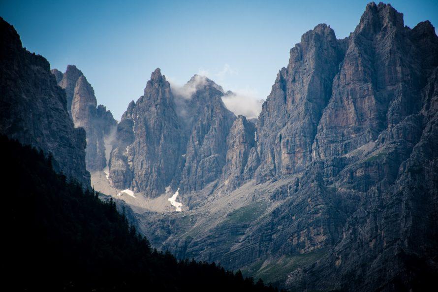 Montagne che circondano il Lago di Molveno