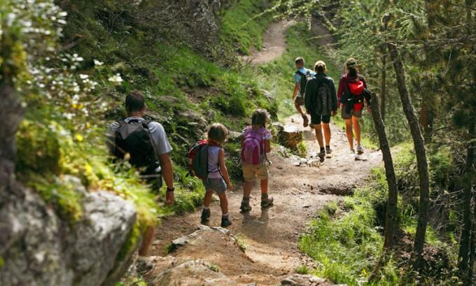 escursione montagna estate bambini