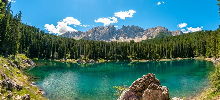 Lago di carezza laghi di montagna del trentino alto adige for Disegni di laghi