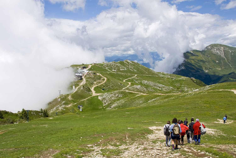 Rovereto e Vallagarina: Trekking sui sentieri dei fiori e della storia