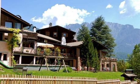 Offerta Cavalese: camera con colazione o mezza pensione + servizi per 2 presso Park Hotel Villa Trunka Lunka
