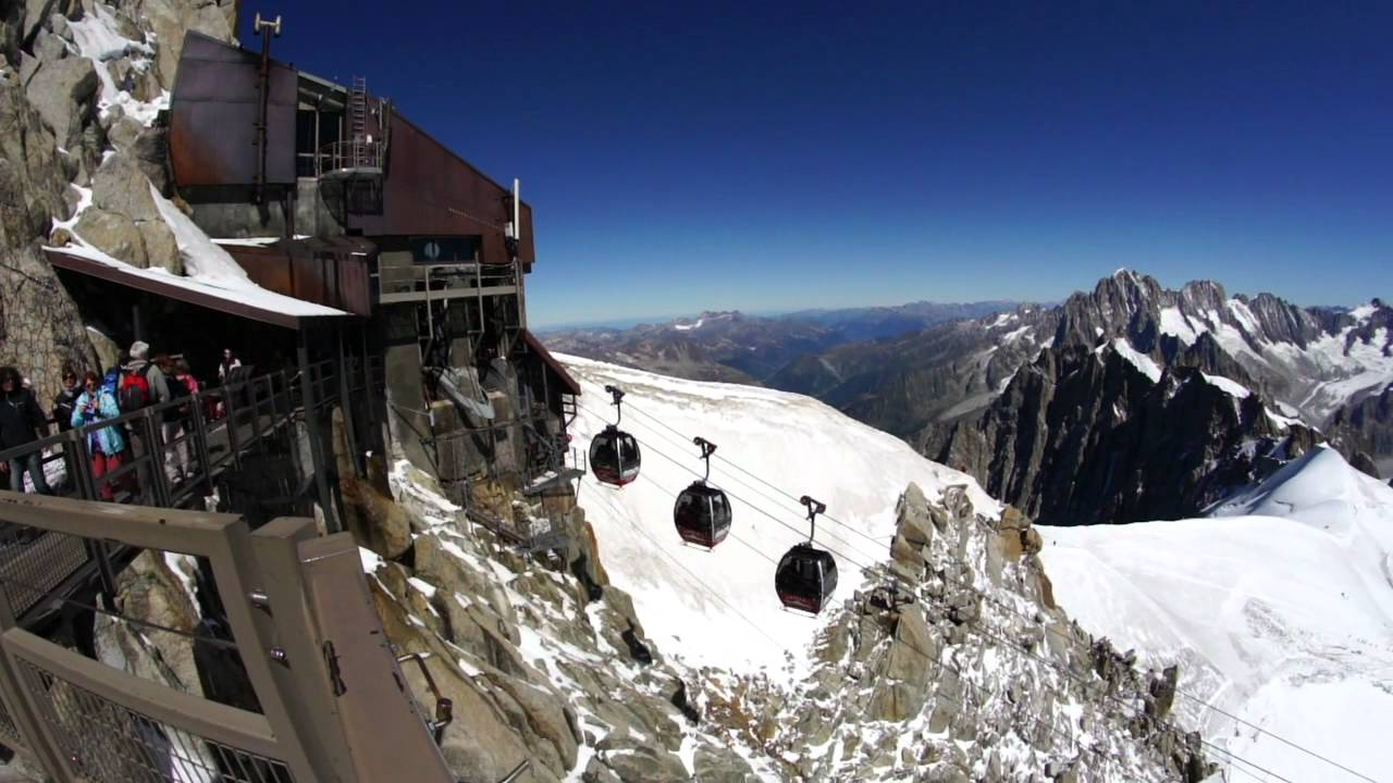 Courmayeur, attraversare il Monte Bianco in Funivia